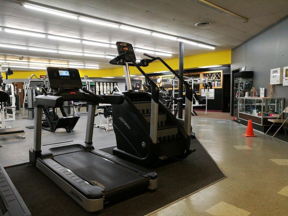 Clare Family Fitness: 1509 N McEwan St, Clare, MI