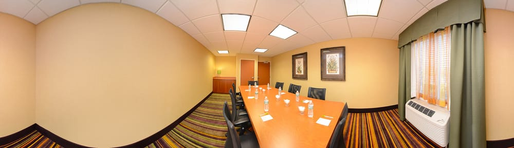 Courtyard by Marriott Hickory: 1946 13th Avenue Dr SE, Hickory, NC