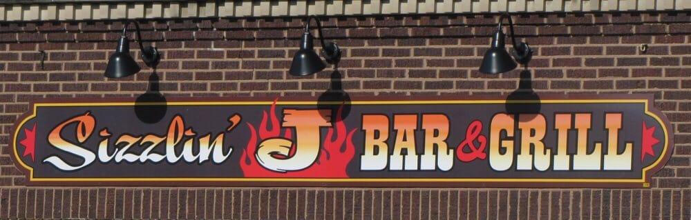 Sizzlin J BBQ: 121 Main St, Galva, IA