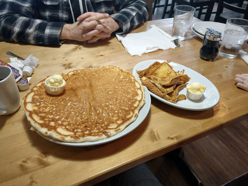 Lake City Diner: 319 Nez Perce Ave, Winchester, ID