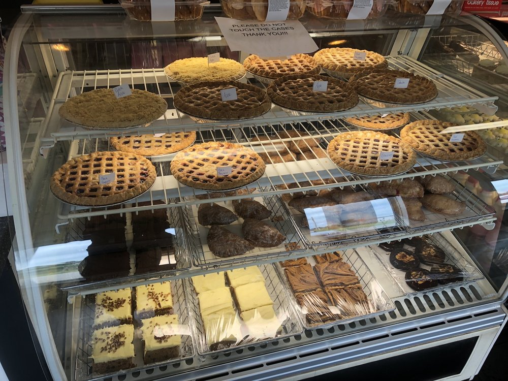 8 Sisters Bakery: 6200 State Rte 95, Mount Gilead, OH