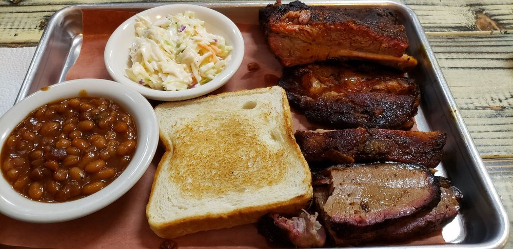 Reid's Hometown Barbecue: 42 W Main St, Booneville, AR