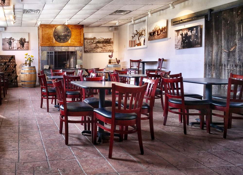 Social Spots from Troutman Vineyards