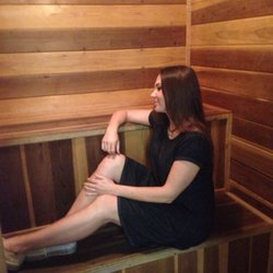girls Ls sauna