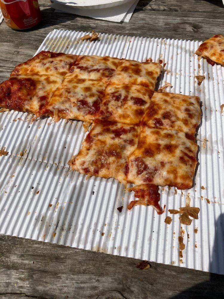 Mama Renie's Pizza: 23 Public Sq, Nelsonville, OH