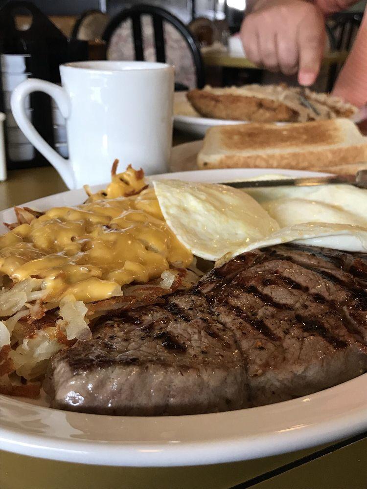 Butler Cafe: 12524 W Hampton Ave, Butler, WI