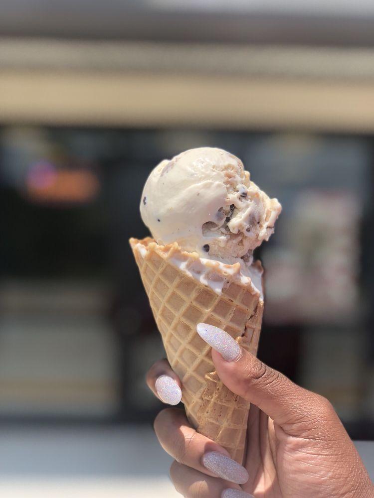 Berry Top Creamery: 2370 Nall St, Port Neches, TX