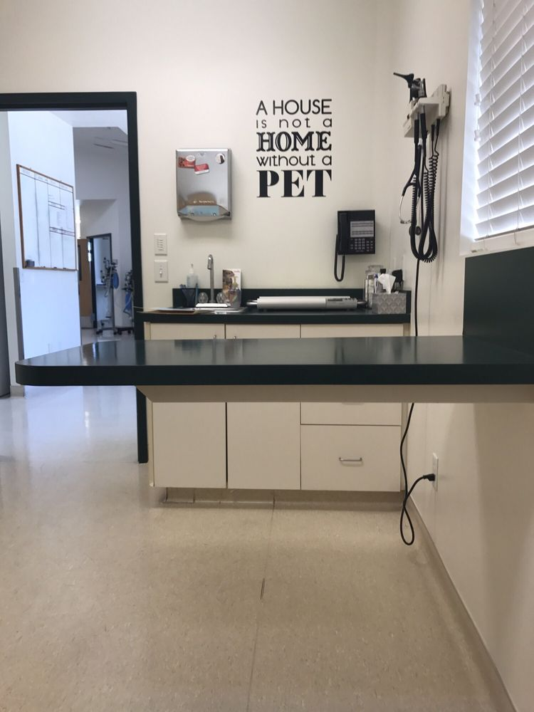 Bayview Animal Hospital PC: 677 Shepard Ln, Farmington, UT