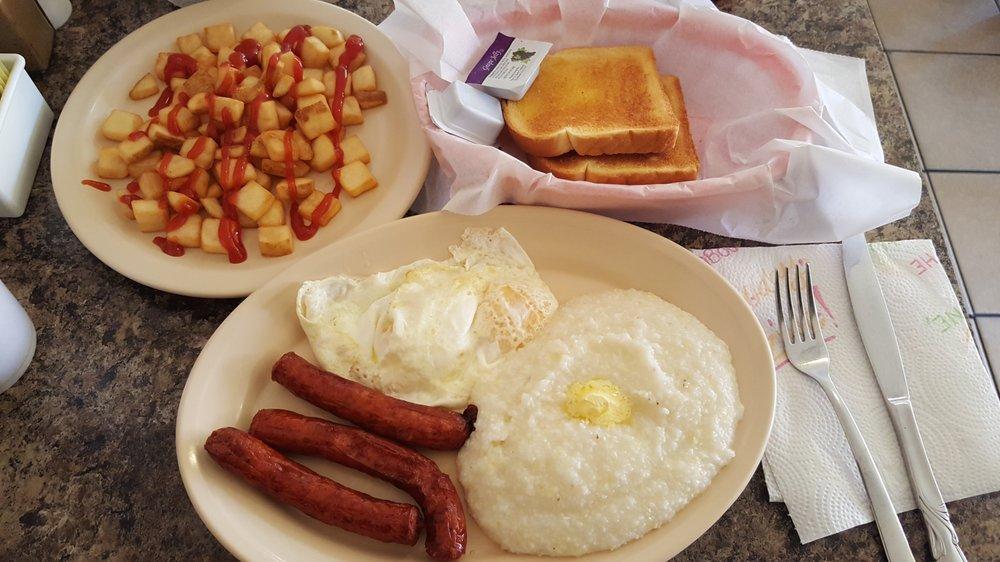 Honey Buns Cafe: 1811 State St, Waycross, GA