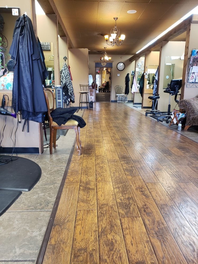 The Villa Salon & Day Spa: 108 North 1st St, Cabot, AR