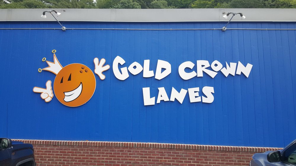 Gold Crown Lanes: 212 Hastings Hill Rd, St. Johnsbury, VT