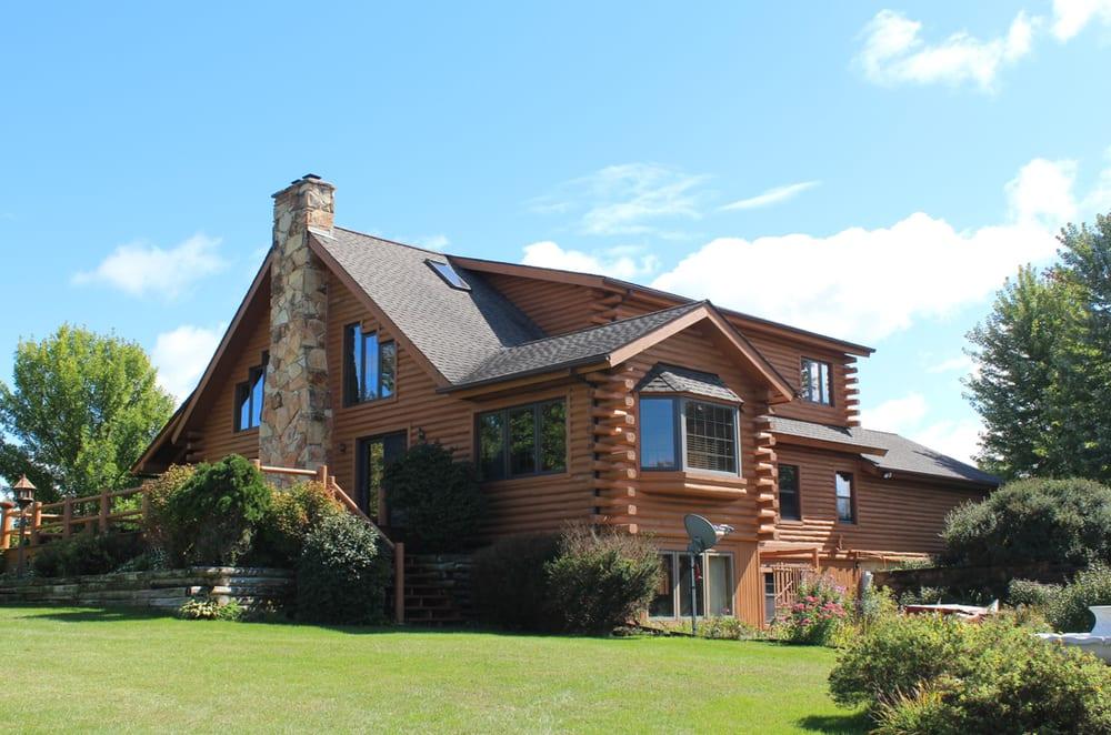 Prairie Star Lodge: N1401 Dill Rd, Browntown, WI