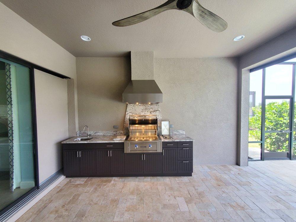 Outdoor Kitchen Cabinets More, Outdoor Kitchen Contractors In Sarasota Fl