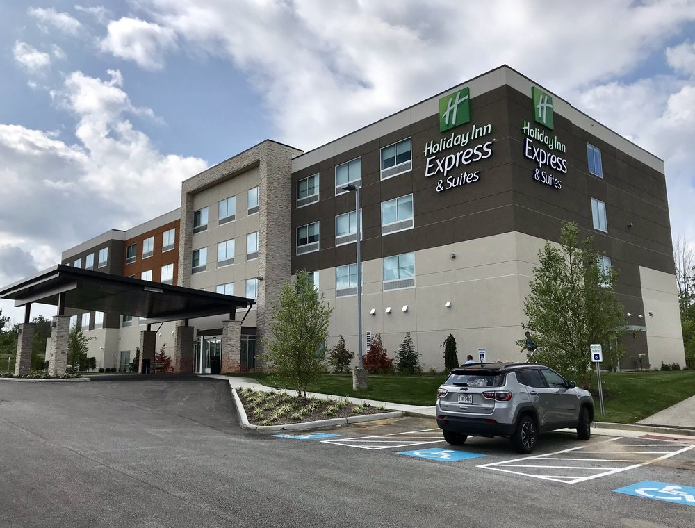 Holiday Inn Express & Suites Madison: 181 Water Tower Dr, Madison, OH
