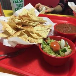... Taco Shop - Burleson, TX, Estados Unidos. Chips, salsa and guacamole