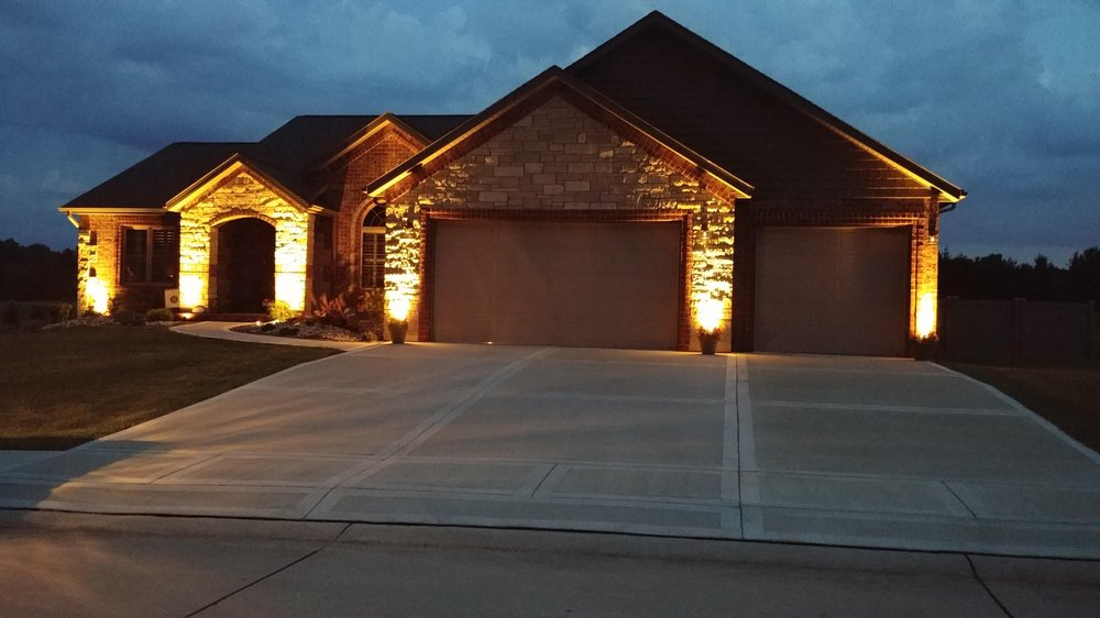 Gateway Dog Fence and Custom Lighting: 8320 W Kirsch Rd, Troy, IL