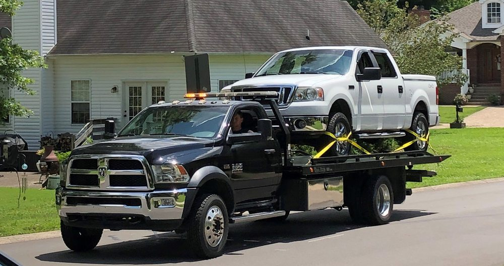 Towing business in Portland, TN