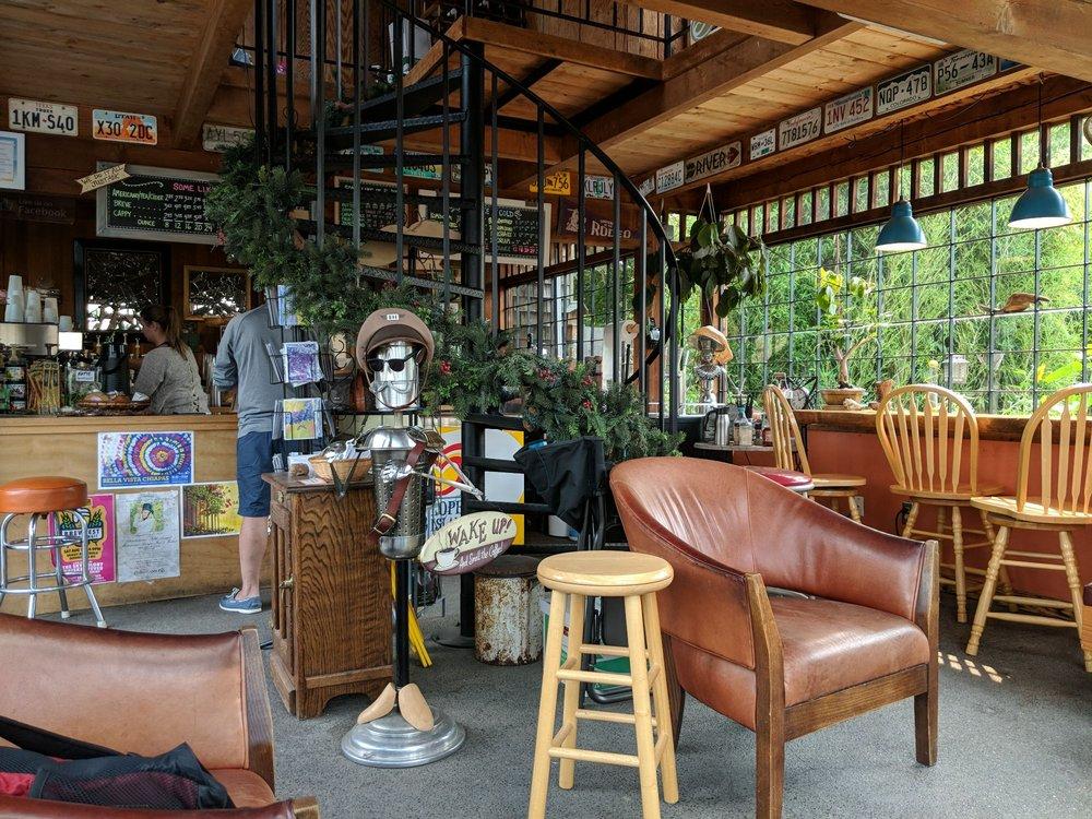 Stompin Grounds Coffee Co: 602 Morris St, La Conner, WA