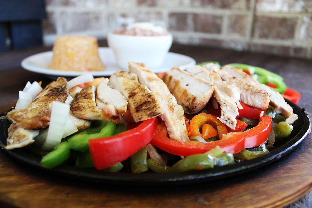 Los Abuelos Mexican Grill: 125 Newnan Crossings Bypass, Newnan, GA