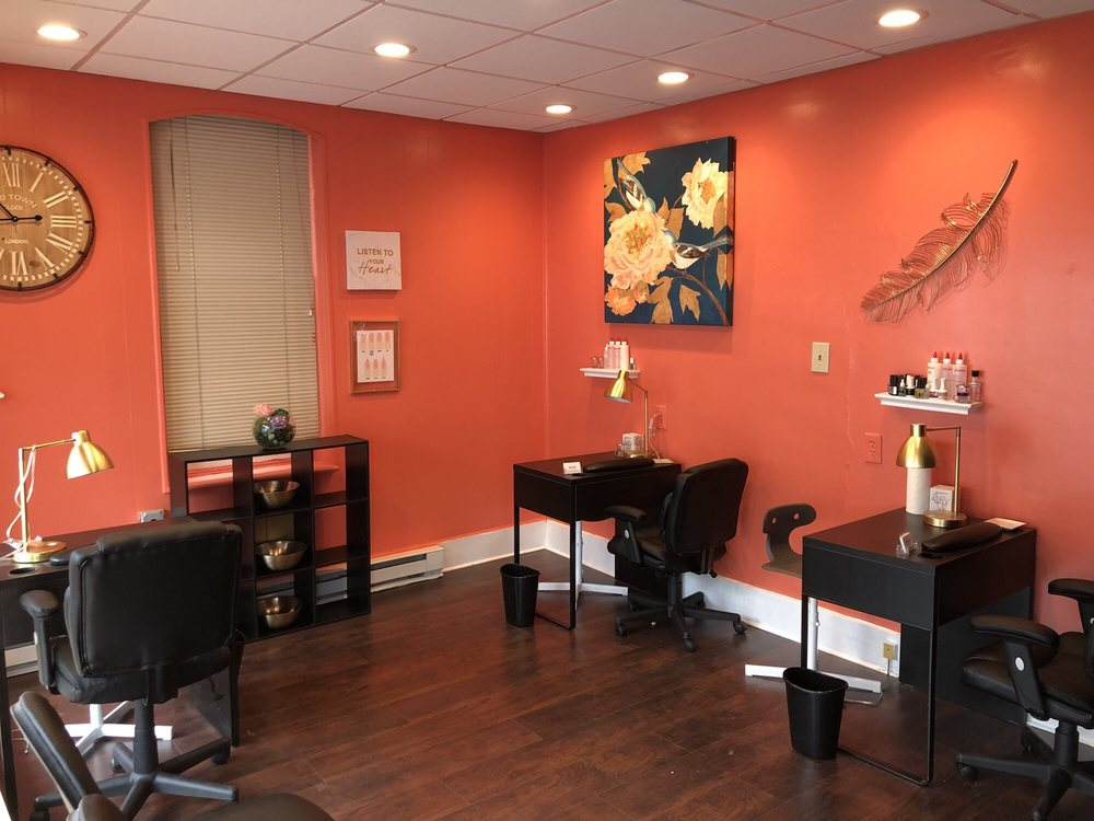 Polished Nail and Brow Lounge: 8 East High St, Elizabethtown, PA