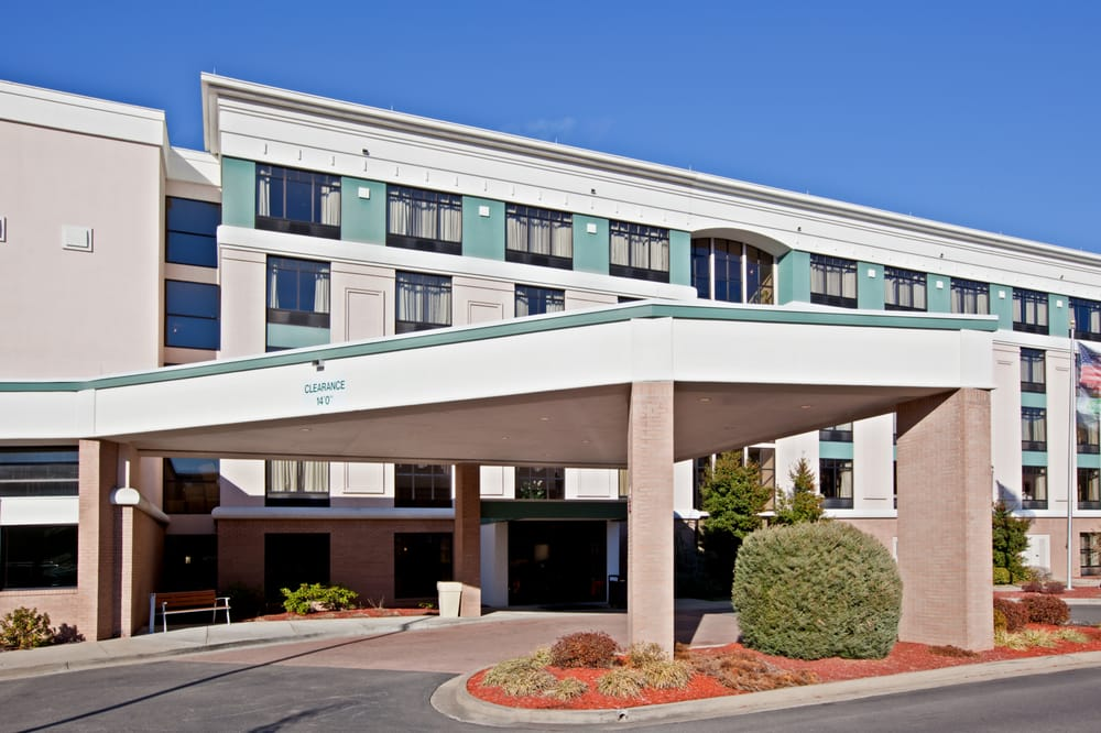 Holiday Inn Hotel & Suites Huntington-Civic Arena: 800 3rd Ave, Huntington, WV