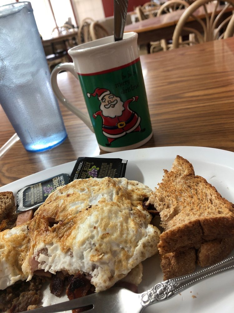 Ben's Place Cafe: 625 Main St, Bean Station, TN