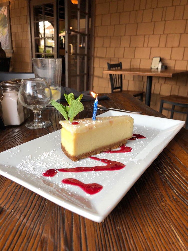 Guest House Grill: 8783 El Camino Real, Atascadero, CA