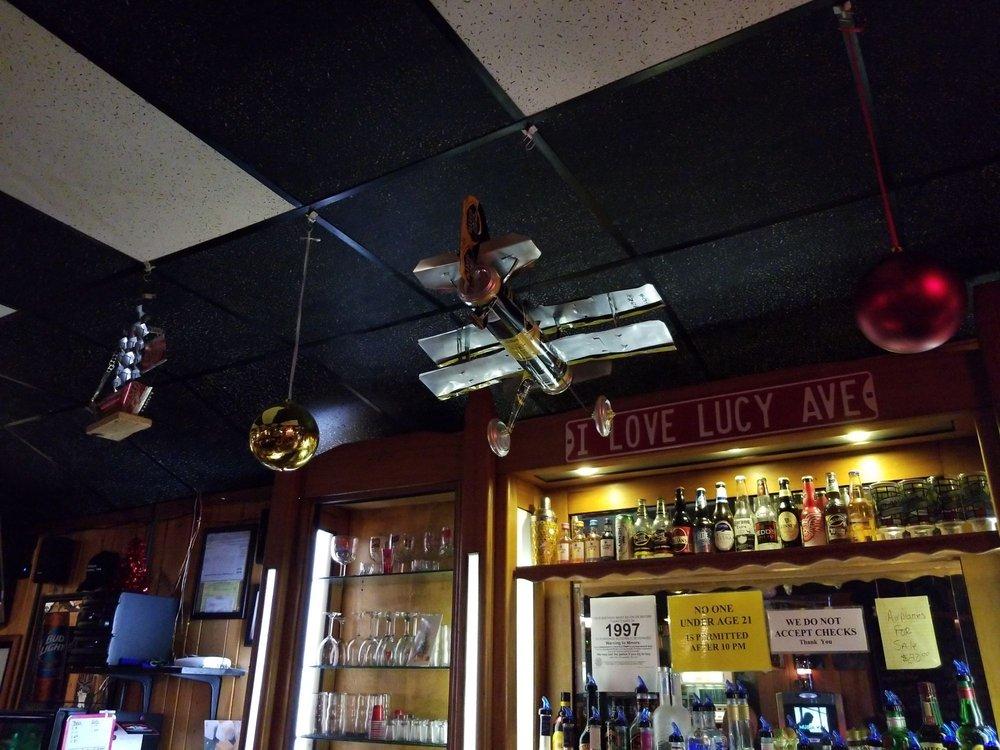 The Bullpen Sports Pub: 114 E Chicago Blvd, Britton, MI