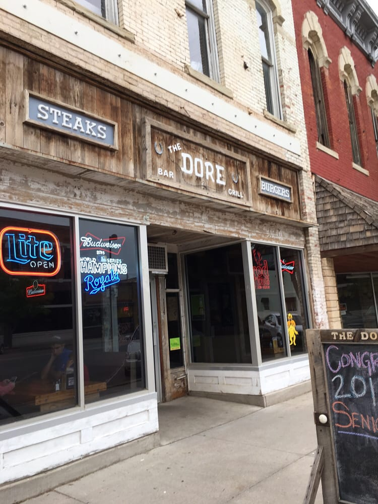 The Dore: 114 N Washington Ave, Wellington, KS