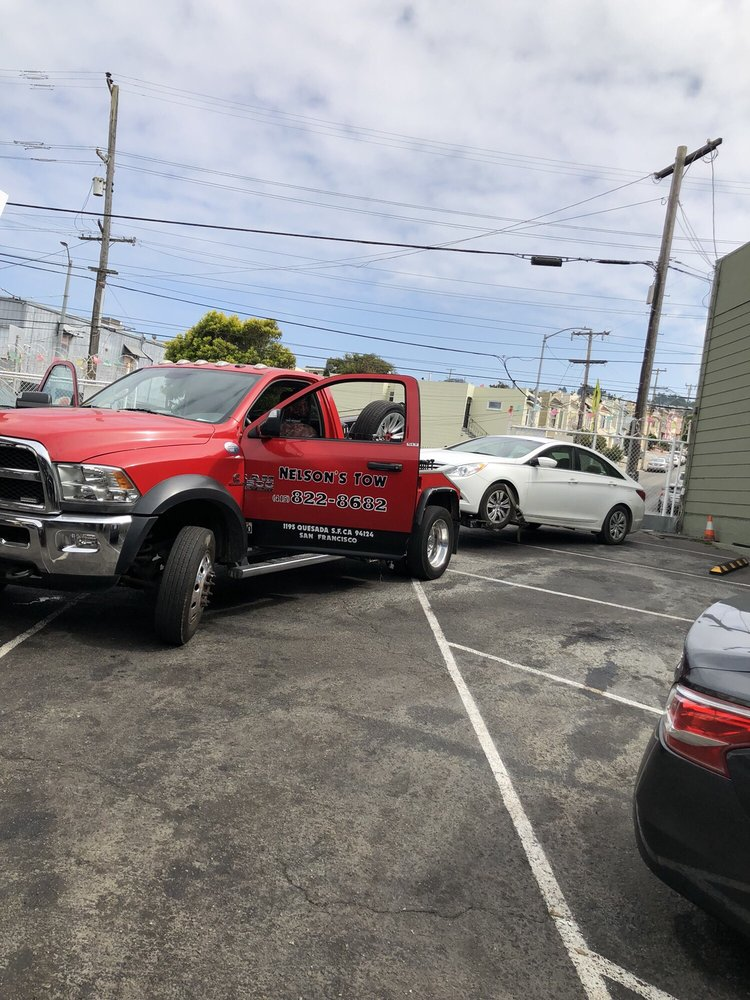 Nelson's Towing