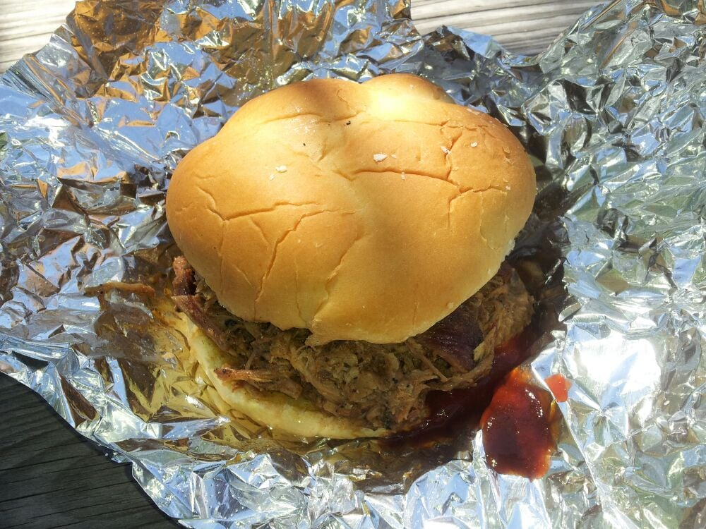Big Mike's BBQ: 37098 Charles Town Pike, Purcellville, VA