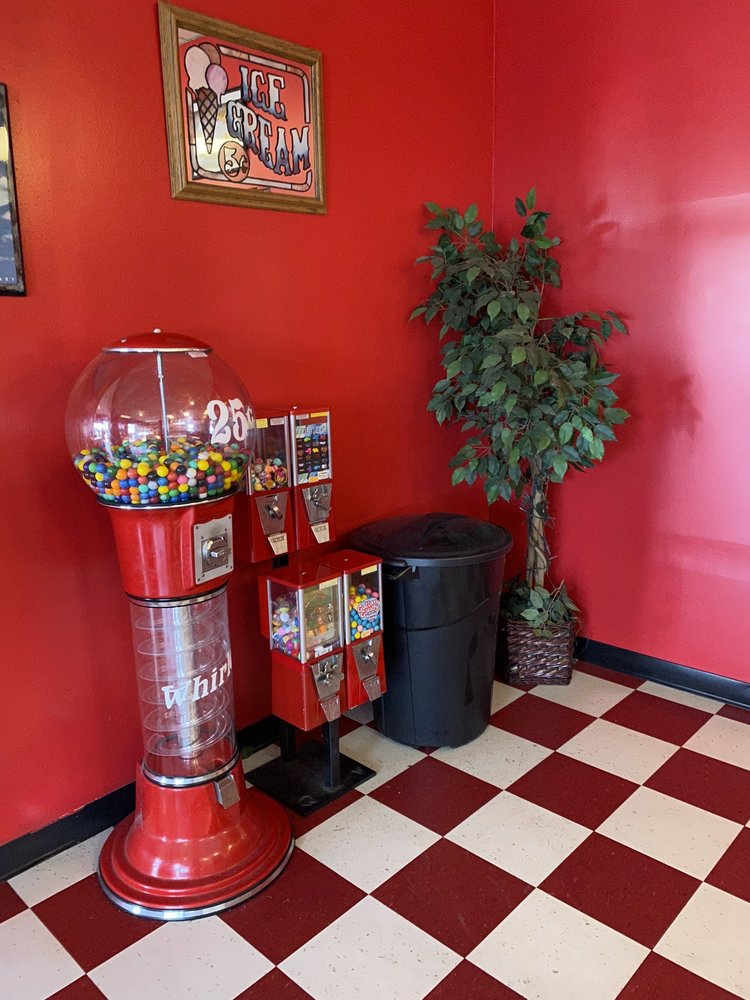 Paige's Ice Cream Parlor: 1679 Old Preston Hwy N, Louisville, KY