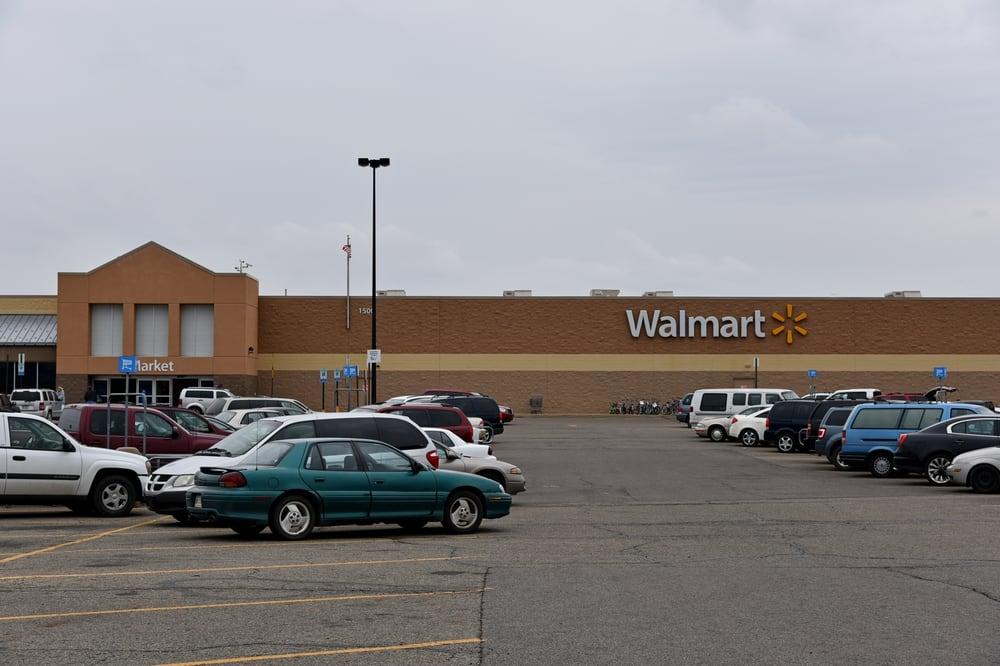 Walmart Supercenter: 1500 S Centerville Rd, Sturgis, MI