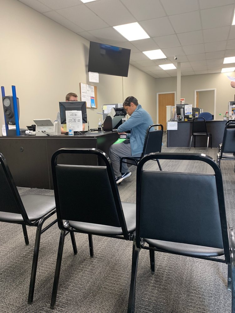 Creve Coeur License Office: 12943 Olive St Rd, Saint Louis, MO