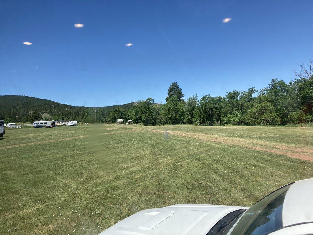 Bulldog Creek Campground: 20899 Pleasant Valley Dr, Sturgis, SD