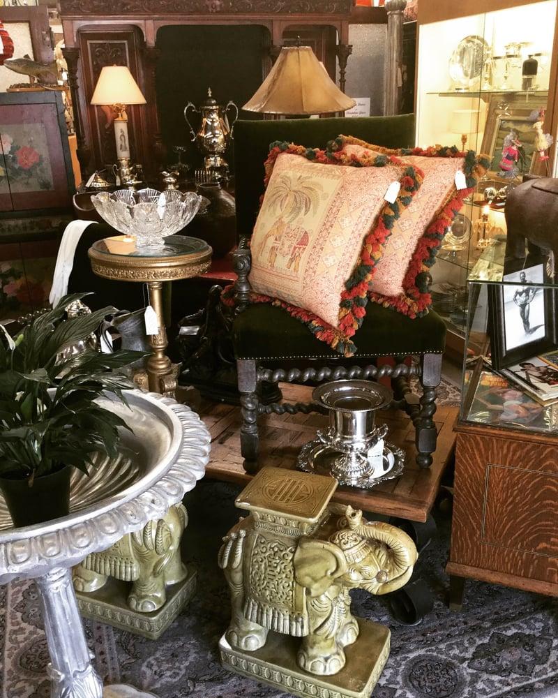 Santa Fe Antiques & Flea Market