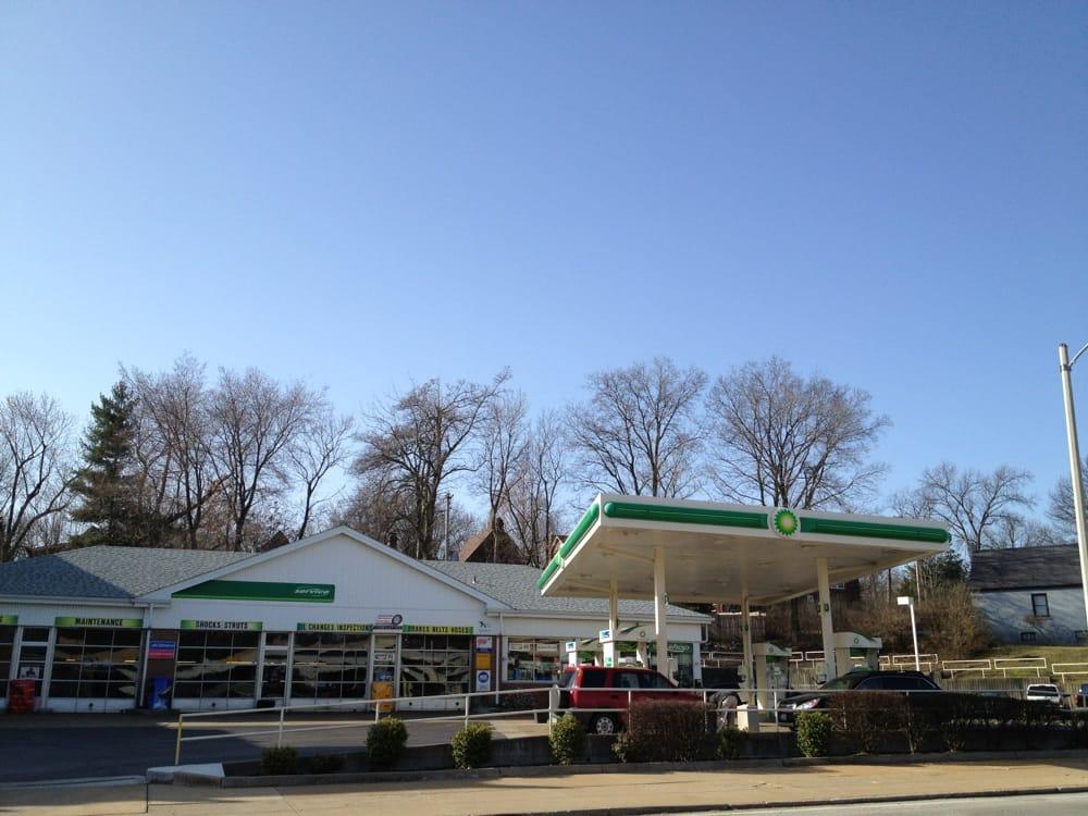Woodard's BP Automotive: 7360 Forsyth Blvd, Saint Louis, MO
