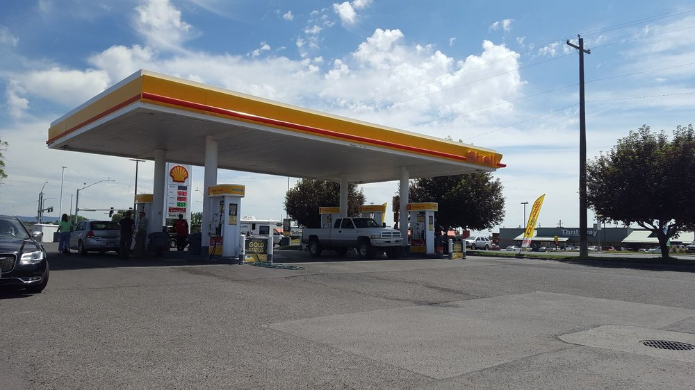 Leathers Shell Truck Stop: 1202 Oregon Ave, Hines, OR