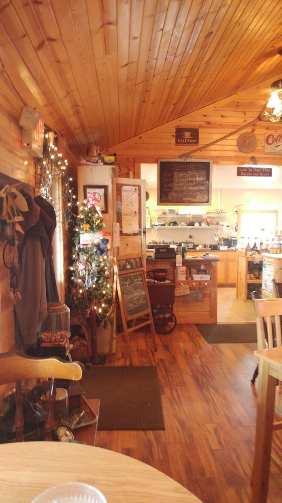 Stone Mountain Caffe: 1510 N Franklin St, Westville, IL