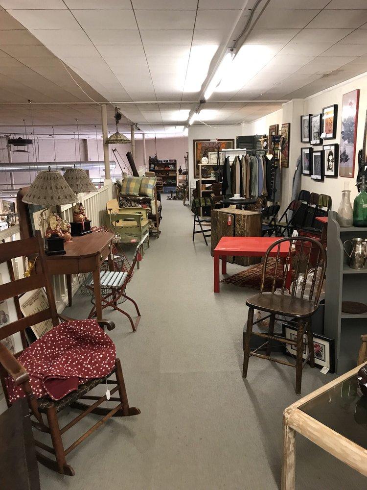 Millerton Center For Antiques: Main, Millerton, NY