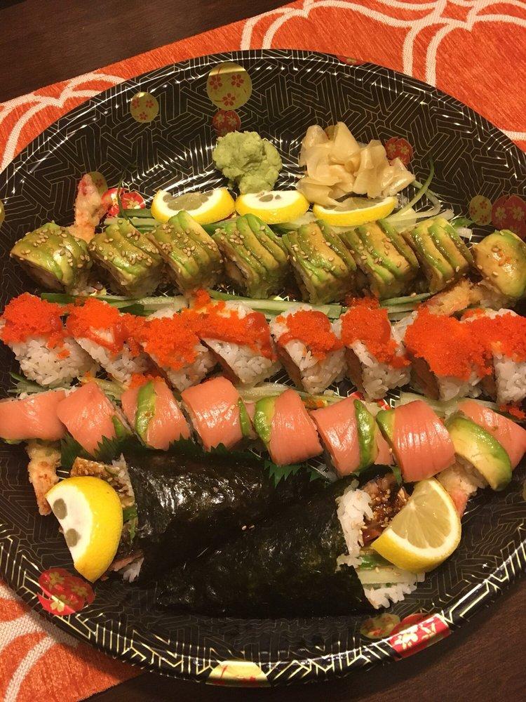 J Fuji Asian Bistro & Sushi Bar: 68 Stony Hill Rd, Bethel, CT