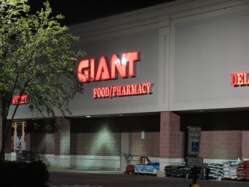 Giant Food Stores: 1880 Leithsville Rd, Hellertown, PA