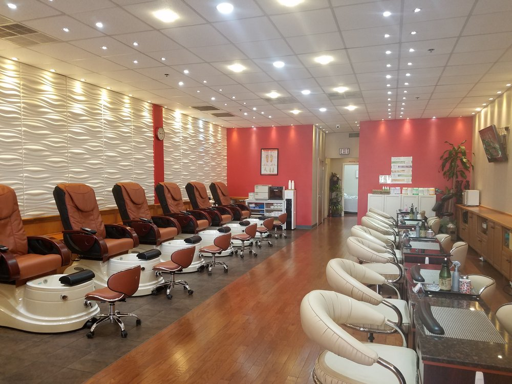 Young s nail salon 12 reviews nail salons 339 e for Salon younga