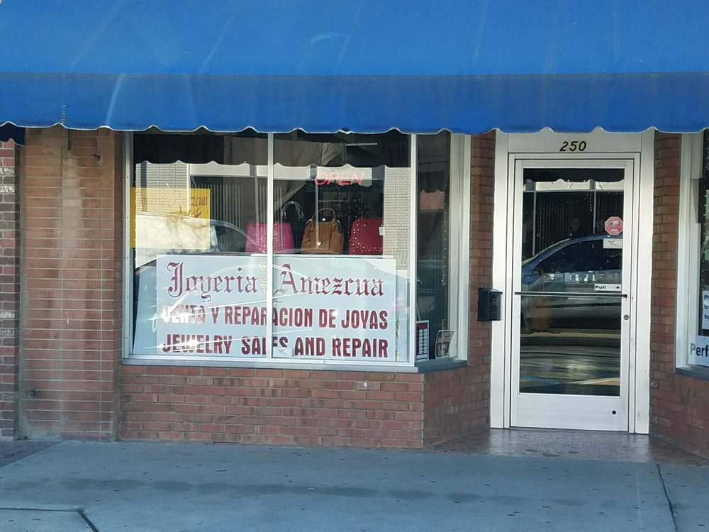 Fabrie Jewelers: 307 Central Ave, Shafter, CA