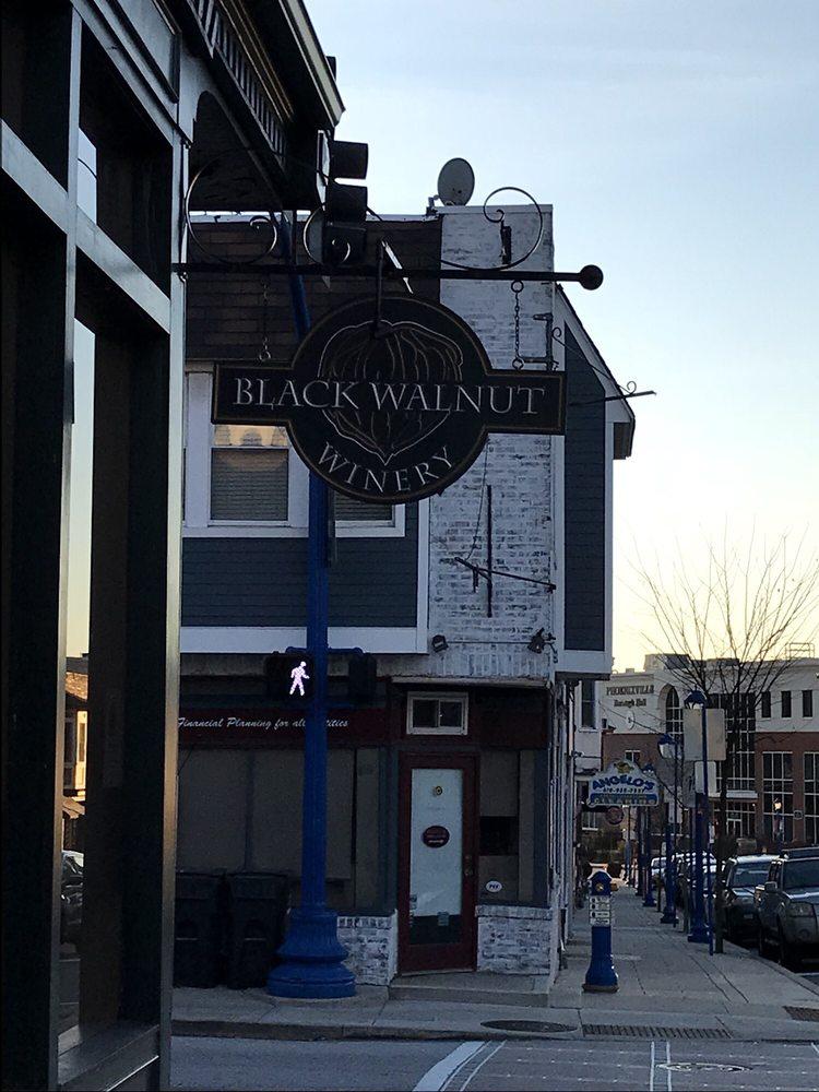 Black Walnut Winery Tasting Room