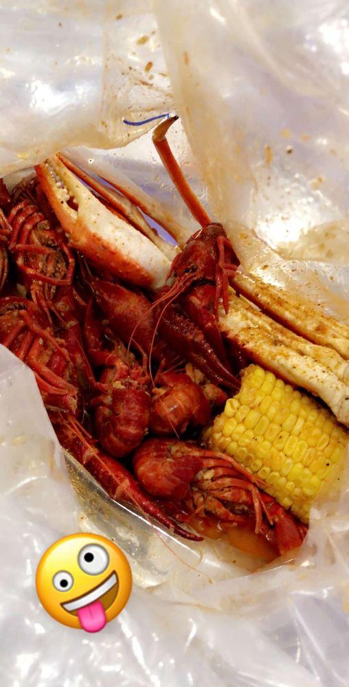 Blue Crab Juicy Seafood: 8340 Kelly Ln, Indianapolis, IN