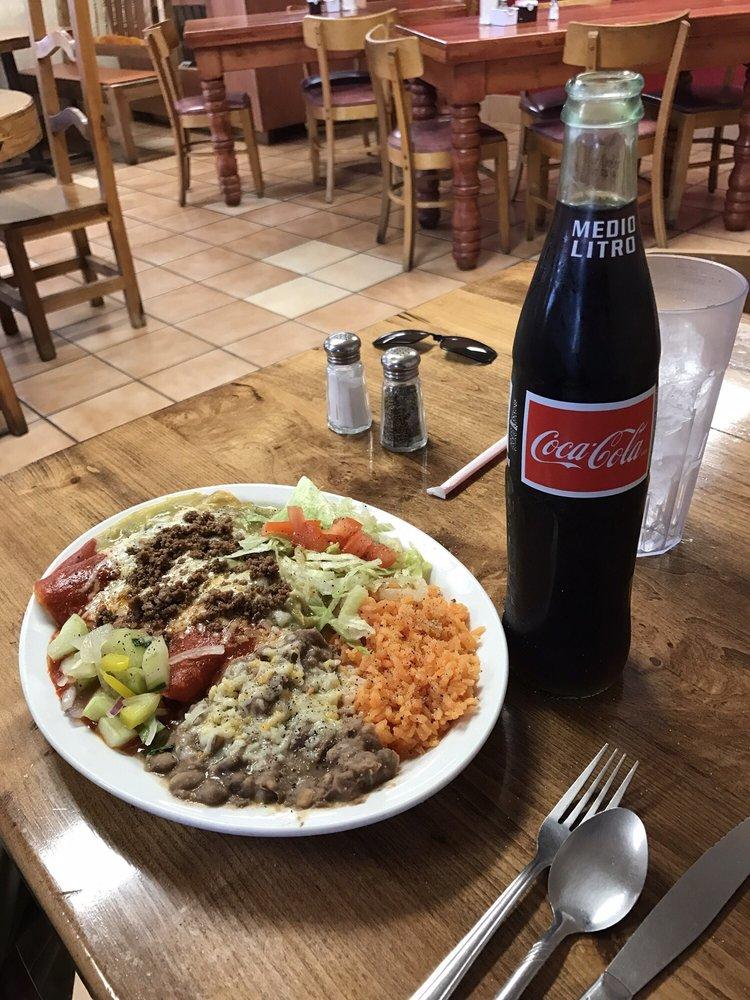 La Parrilla Restaurant: 120 N Granite St, Deming, NM