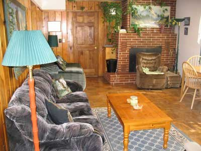 Ponderosa Pines Inn & Cabins: 705 Glendale Dr, Lead, SD