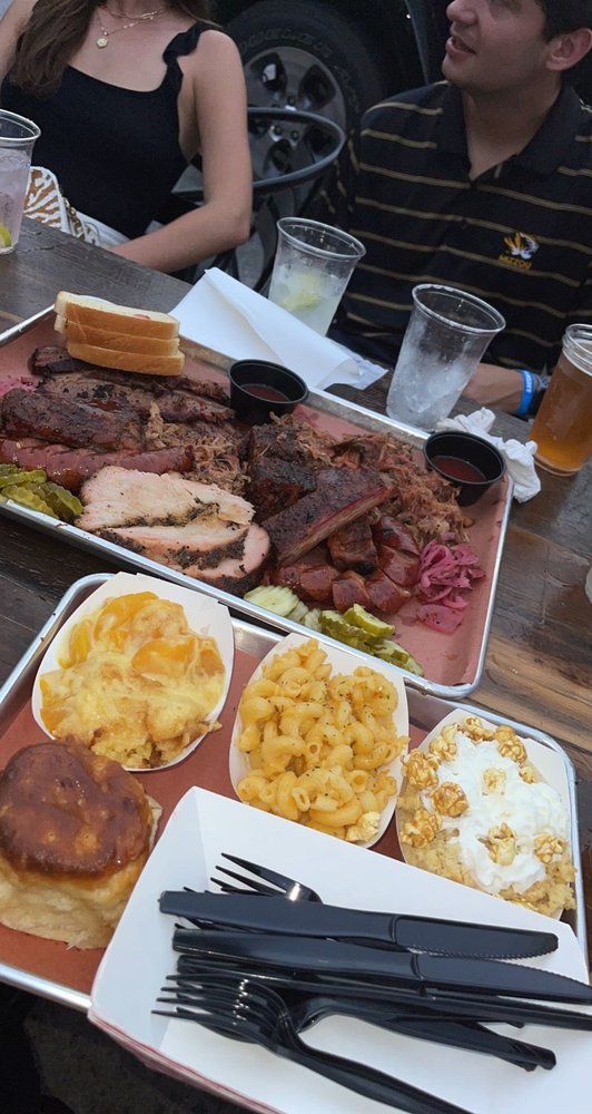 Bud's Classic BBQ: 304 S 9th St, Columbia, MO