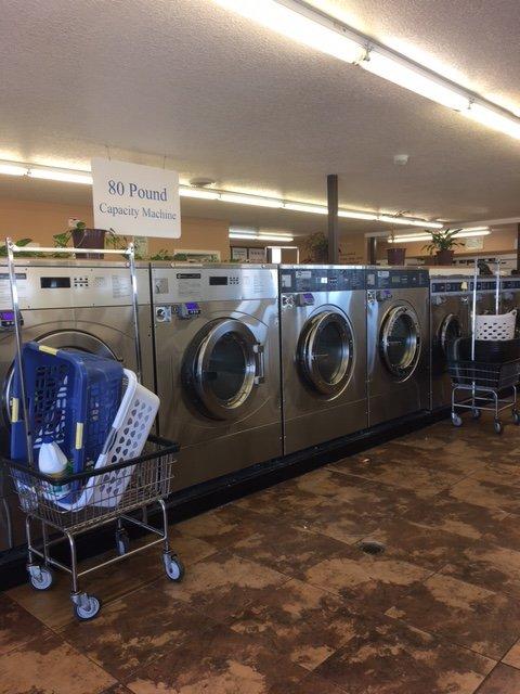 Metro Coin Laundry: 1801 Highway 13 W, Burnsville, MN